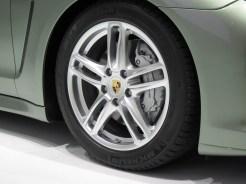 2011 Geneva Motor Show Porsche Panamera Hybrid Wheel