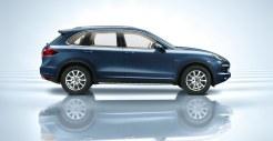 Blue Metallic Porsche Cayenne Diesel 2011 3000x1560 wallpaper Side view