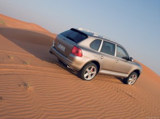 Umber Metallic Porsche Cayenne Turbo S 2006 1600x1200 wallpaper Rear angle view