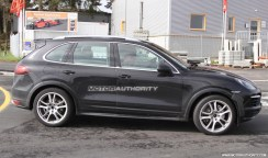 2012 Porsche Cayenne Turbo S Spy shots at Nurburgring circuit Side view