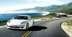 2011 White Porsche Panamera Diesel wallpaper Front angle view