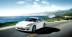 2011 White Porsche Panamera Diesel 3000x1560 wallpaper Front angle side view