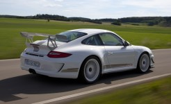 Porsche review 2011 Porsche 91 GT3 RS 4.0 First drive Rear angle side view