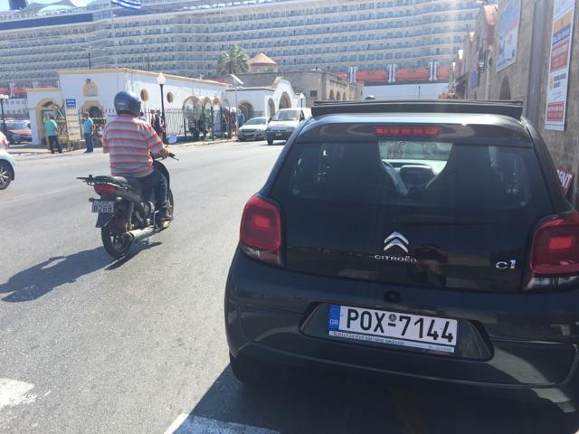 ギリシャでレンタカー