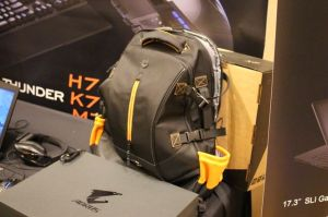 ces-2014-aorus-x6-notebook-gaming-8