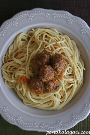 Kofte_spagetti
