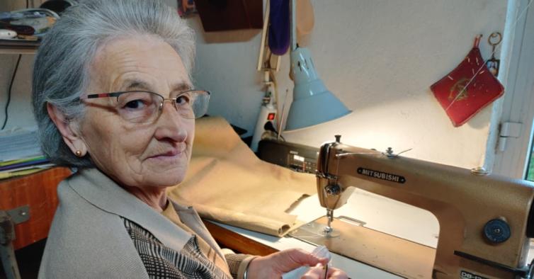 , A los 77 años, Otília lanzó su marca de zapatillas ecológicas hechas de Cáñamo