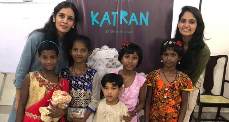 , Adolescente recicla toneladas de desechos textiles en ropa para 2500 niños