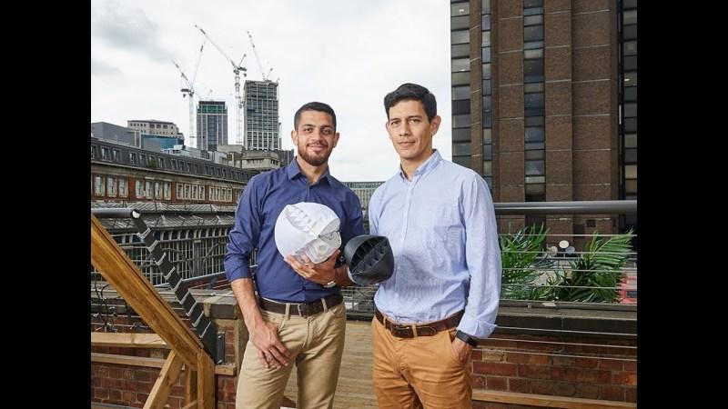 , Jovenes crean turbina esférica que produce energía renovable incluso en edificios