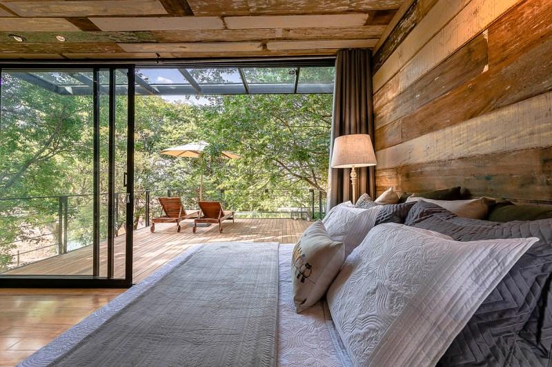 , Esta casa Container suspendida en el aire se construyó con 80 % de materiales reciclados