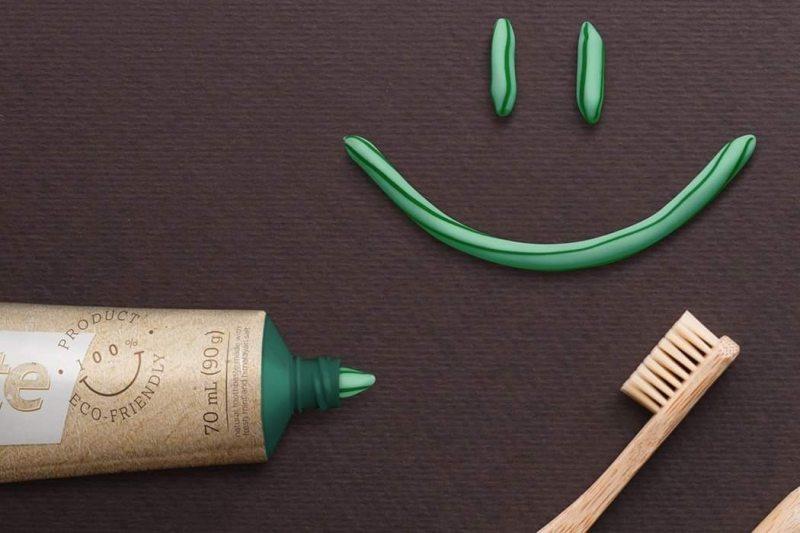 , Joven Brasileño creó Coolpaste, un tubo de pasta dental biodegradable y sin caja