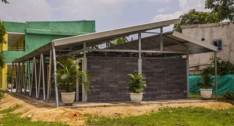 , Joven crea casas hechas 100% de Plástico reciclado que duran 500 años y resisten el fuego