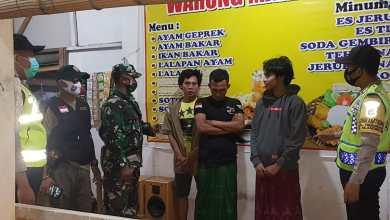 Photo of Puluhan Pemuda dan Sopir Truk di Mlandingan Terjaring Razia Masker
