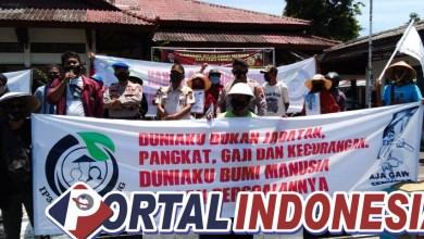 Photo of Pupuk Langka, Ratusan Petani Geruduk Gedung DPRD Pemalang