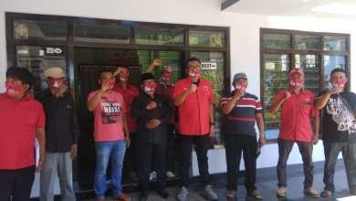 Photo of Bersama Cawabup Ketua DPC PDI-P, Banyuwangi Kampanye Masker
