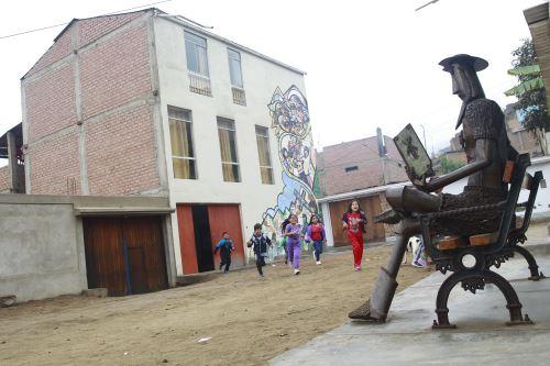 Don Quijote aguarda con los brazos el retorno de su manchita.