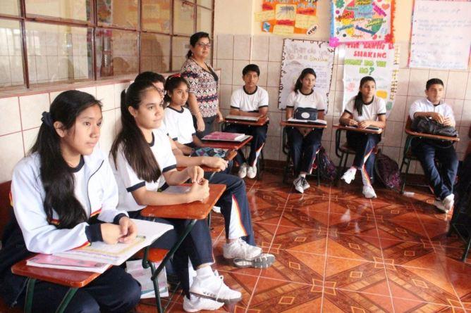 Resultado de imagen para estudiantes COLEGIO