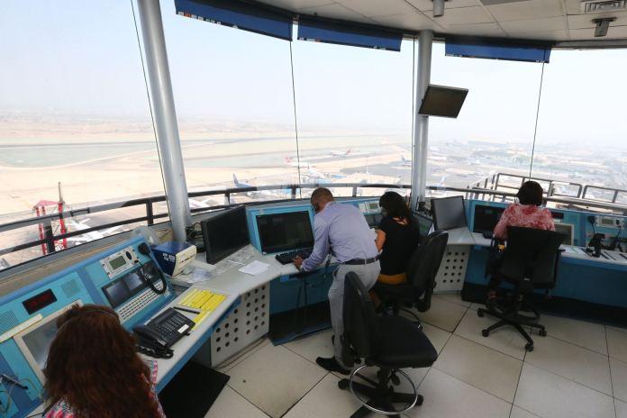 Corpac: se requieren más de 200 controladores aéreos para los ...