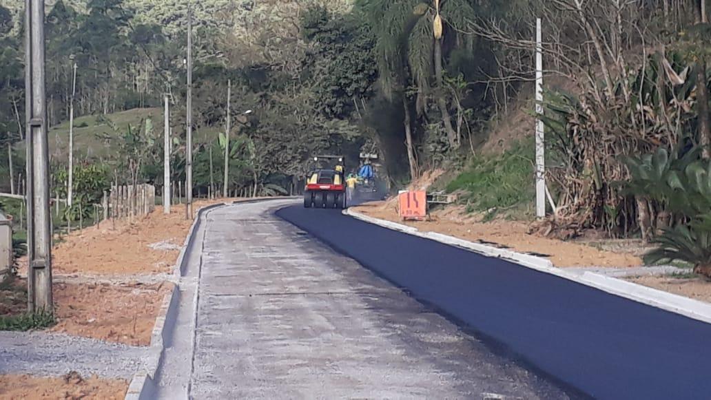 Pavimentação da rua Alberto Muller chega a segunda etapa