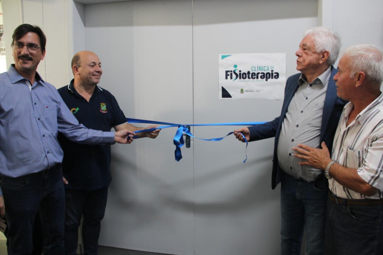 Prefeitura entrega nova clínica de fisioterapia