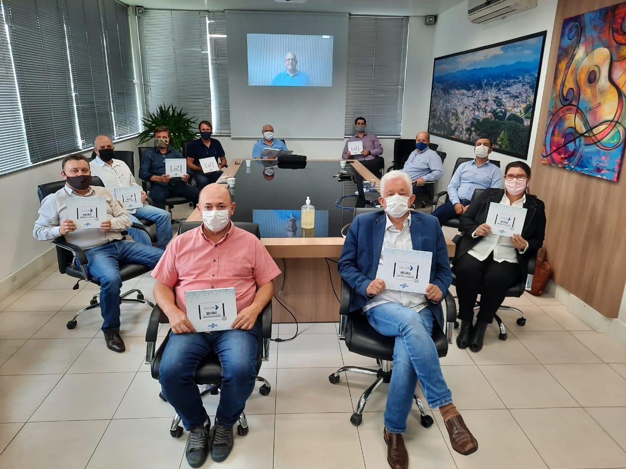 """Prefeitura lança coletânea de dados """"Brusque em Números"""""""