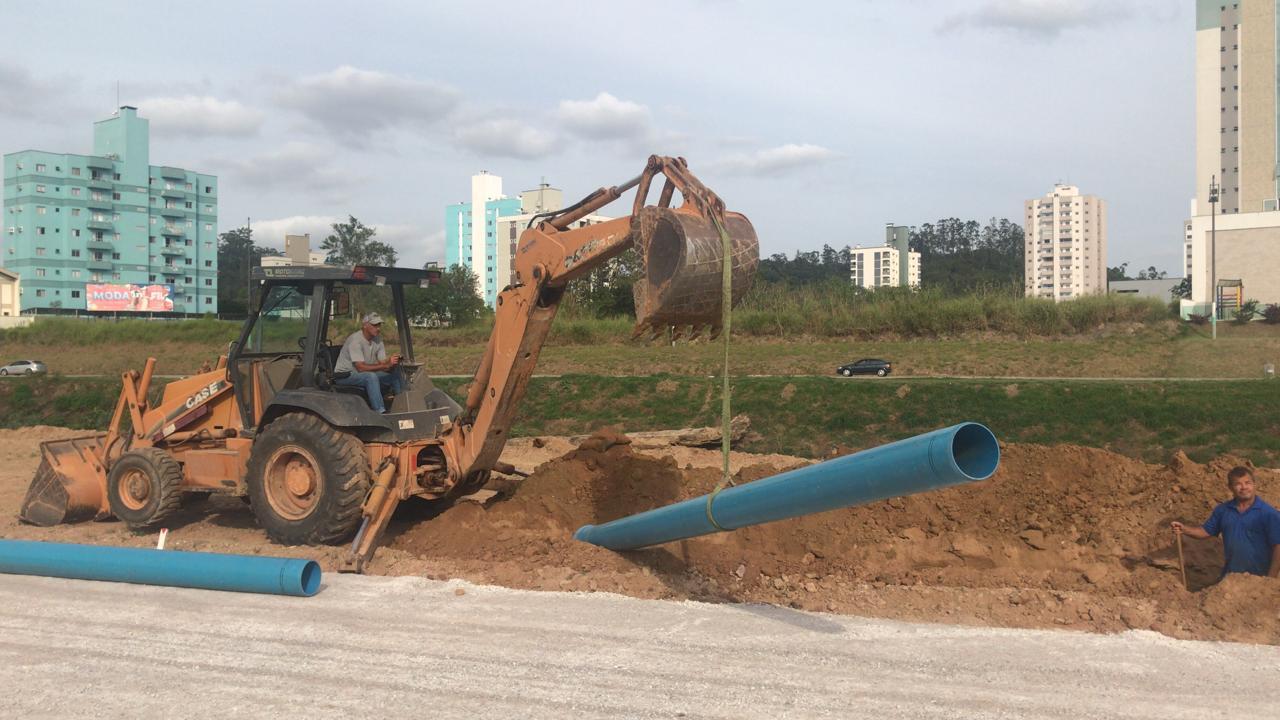 Samae faz melhoria da distribuição da rede de água em paralelo as novas obras da avenida Beira Rio