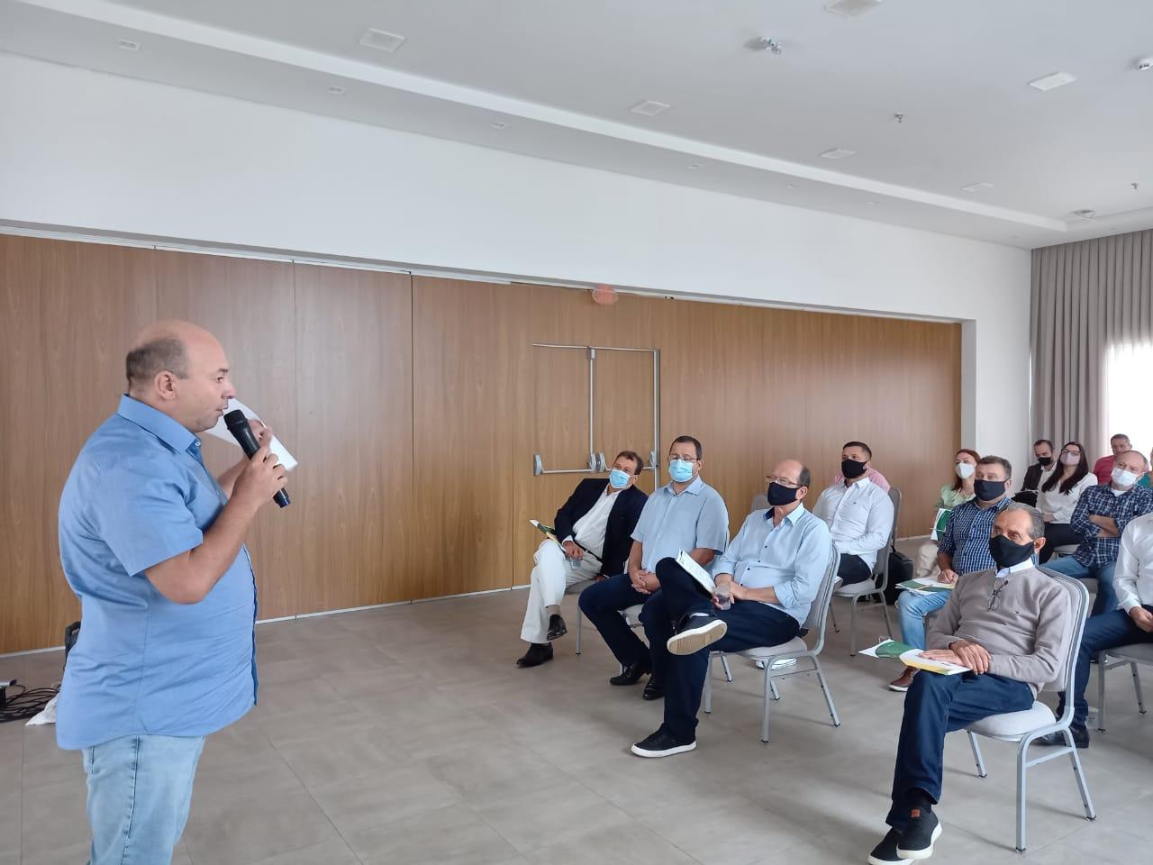 Secretários e diretores da prefeitura de Brusque participam do 1º Seminário de Governo e Gestão