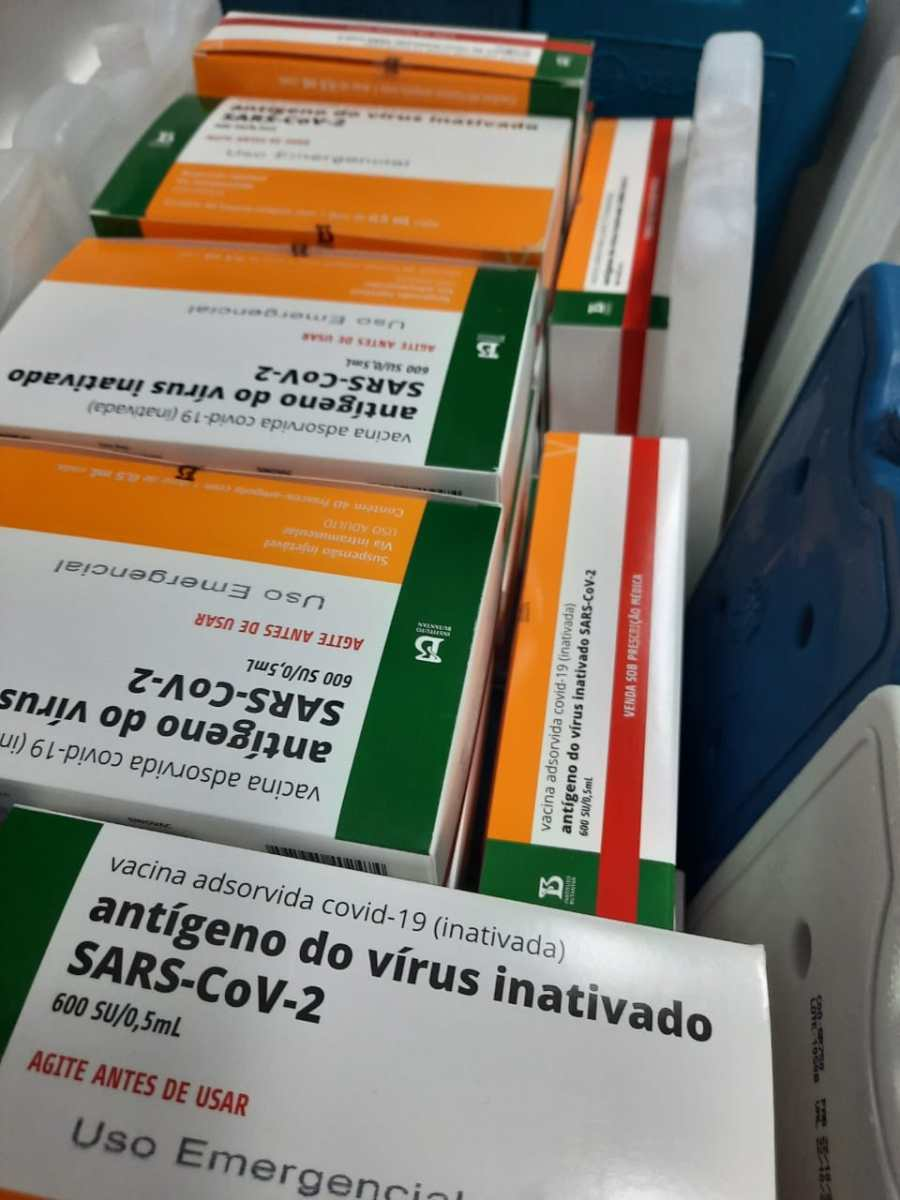 Brusque recebe mais 1.400 doses da vacina CoronaVac