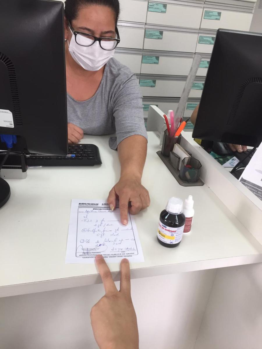Farmácia Básica fecha entre 13h30 e 15h30 para reunião