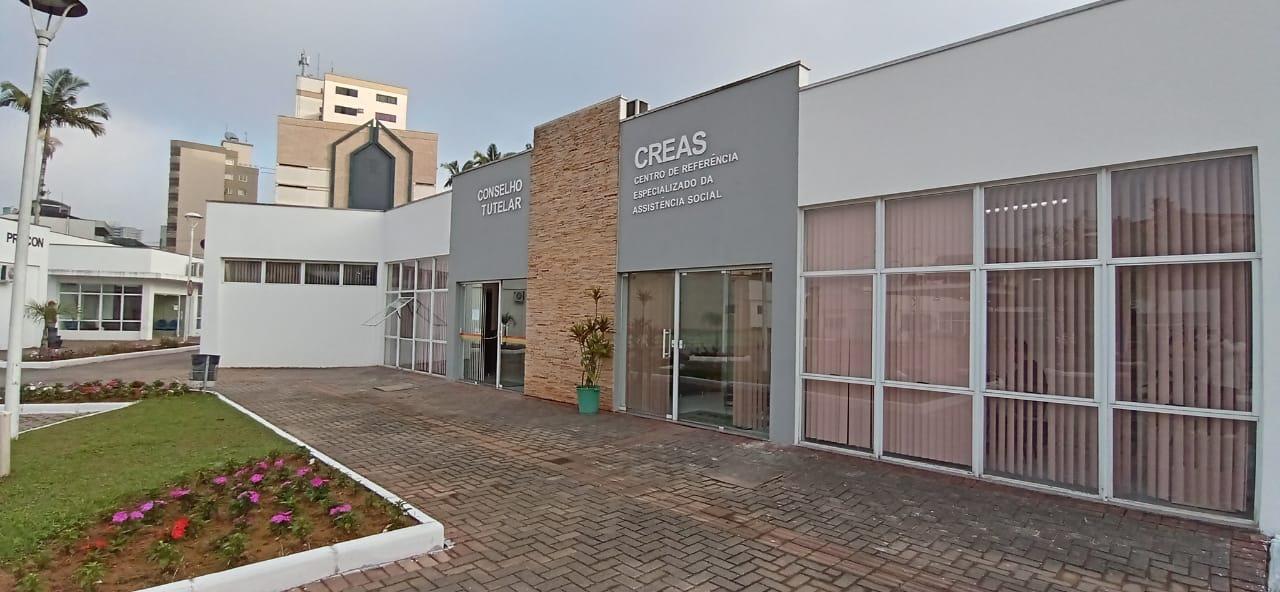 Prefeitura entrega revitalização dos prédios do Conselho Tutelar, Ceped e Creas