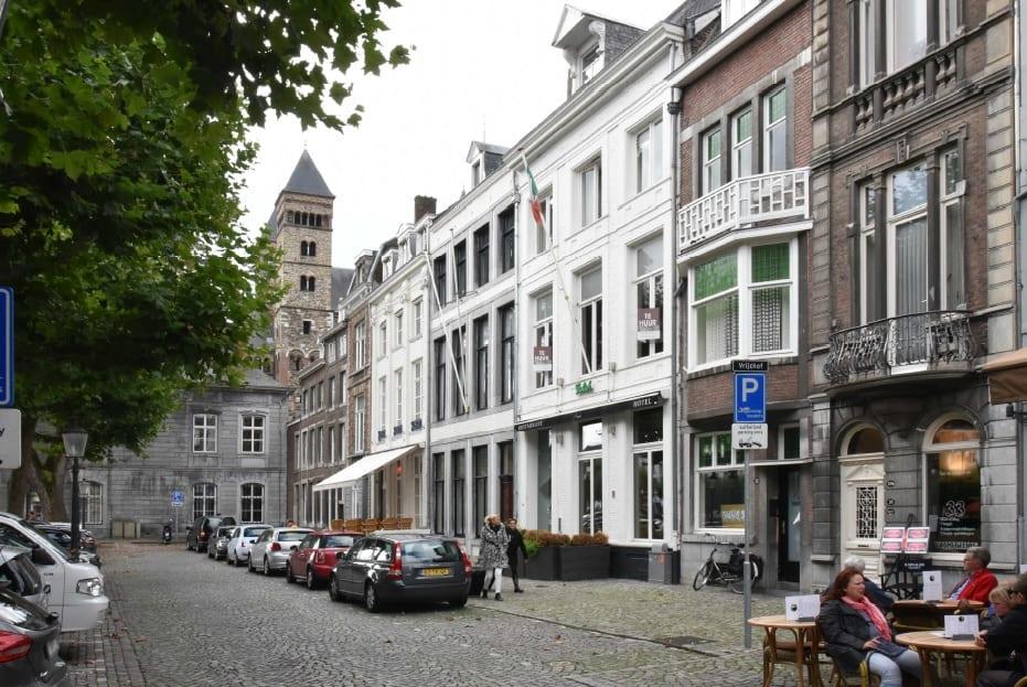 Te koop: goed onderhouden beleggingsobject aan  het Vrijthof in Maastricht
