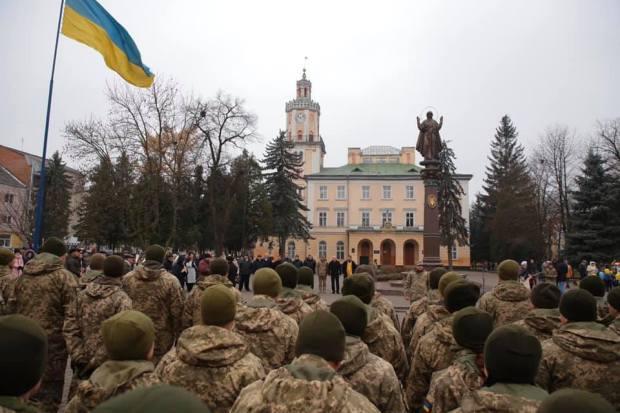 На Львівщину повернулися бійці 703-го окремого полку із зони бойових дій (ФОТО)