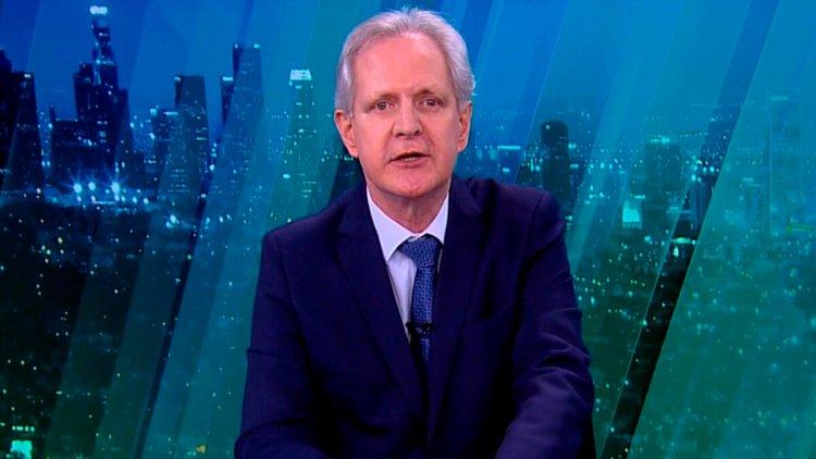 Augusto Nunes apresentando o JR News
