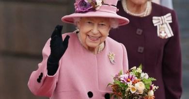 Palácio de Buckingham oferece vagas para motoristas e faxineiros com salários atrativos
