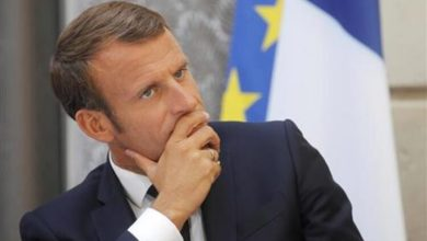 Photo of Macron ftoin presidentin palestinez Abbas në Paris