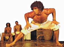 Capoeira, Dança & Teatro: África brasileira