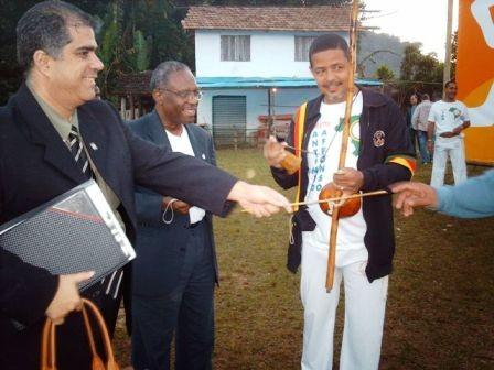 Portal Capoeira CAPOEIRA NA CHEGADA DA TOCHA OLÍMPICA AO RIO DE JANEIRO Notícias - Atualidades