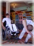 Recife: Pacientes da AACD recebem batismo em grupo de capoeira