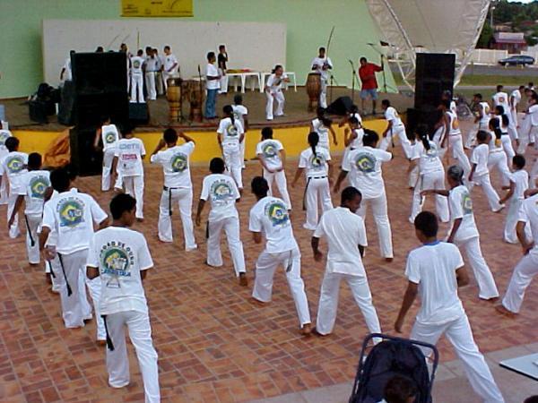 Portal Capoeira Acre: Cordão de Ouro & Apae: 80 alunos entram na roda Capoeira sem Fronteiras