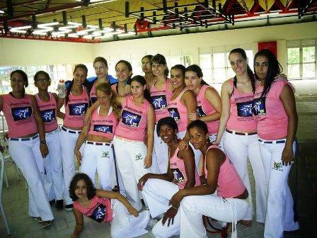 Portal Capoeira Pesquisa: Desistência da mulher da capoeira Capoeira Mulheres