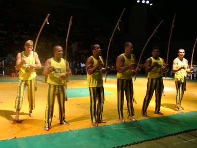 Portal Capoeira Gabão: Libreville - Apresentações do Raízes do Brasil Notícias - Atualidades