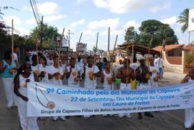 Portal Capoeira Bahia: Caminhada leva 2 mil capoeiristas às ruas de Lauro de Freitas Eventos - Agenda