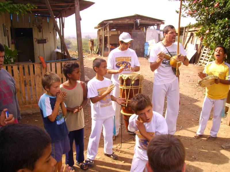 Portal Capoeira Oportunidade de sonhar, um caminho para paz Publicações e Artigos