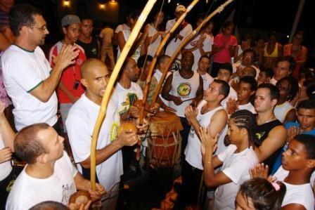 Portal Capoeira Maresias: Projeto Mareginga Cidadania