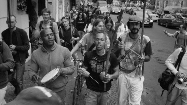 Portal Capoeira A Postura Política do Capoeira Crônicas da Capoeiragem