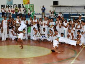 Portal Capoeira Aconteceu: Alunos do Escola Aberta abrem seminário de educação na Uerj de Caxias Eventos - Agenda