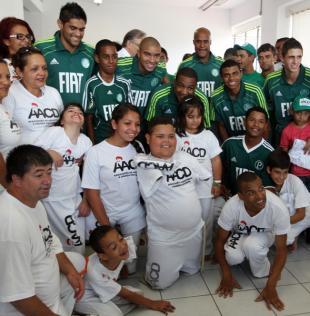 Jogadores do Palmeiras saem fortalecidos da AACD