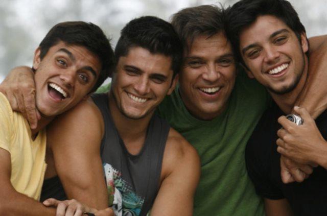 Portal Capoeira Dia dos Pais: Arte e Capoeira em Família Notícias - Atualidades