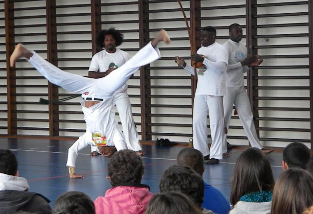 Portal Capoeira CAL organizou aula de capoeira na Escola Rainha D. Amélia Eventos - Agenda