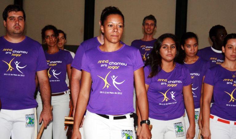 Portal Capoeira 2ª Edição: Sinhá Chamou pra Jogar Capoeira Mulheres